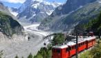 Train de Montenvers avec panorama sur la Mer de Glace et les Grandes Jorasses - Chamonix